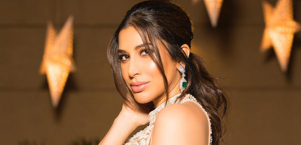 SOPHIE CHOUDRY IN CHERIE D as seen on HighHeelConfidential