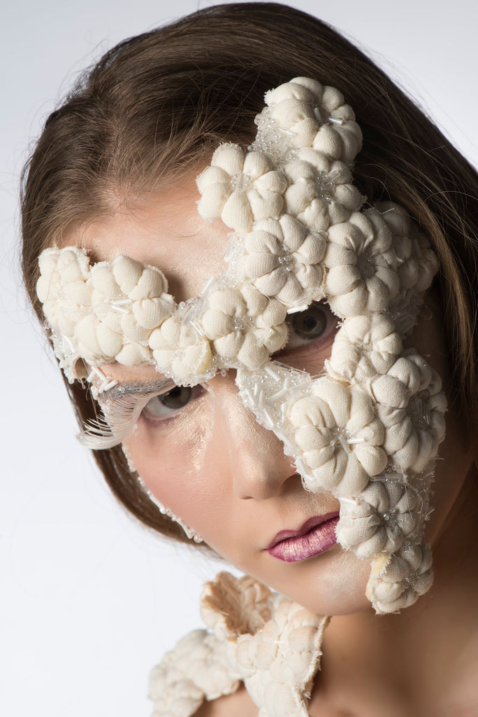 JanaRoos-Fashion&Costumedesign-Nature is taking over-Front mask nature growing human body cotton