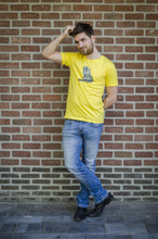 Wall Picture Men's T-Shirt Iguana Illustration Maize Yellow hagedis geel