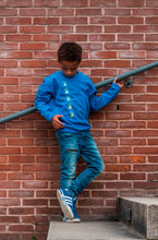 kidssweater the beetles Sapphire blue blauw wallpicture fotoshoot