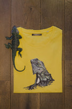 Men's T-shirt Igujana Maize Yellow print design drawing organic cotton short sleeved round neck lizard toy hagedis geel