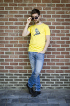 Wall Picture Men's T-Shirt Iguana Illustration Maize Yellow Sunglasses hagedis geel