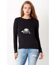 Women T-shirt - frontshot - photoshoot - model -  organic cotton - long sleeved - round neck - printdesign - drawing - JanaRoos - Pugg - mops - dog - hond