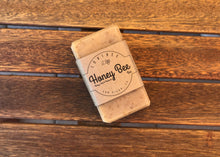 Honey Bee Bar (Honey Oats & Beeswax)