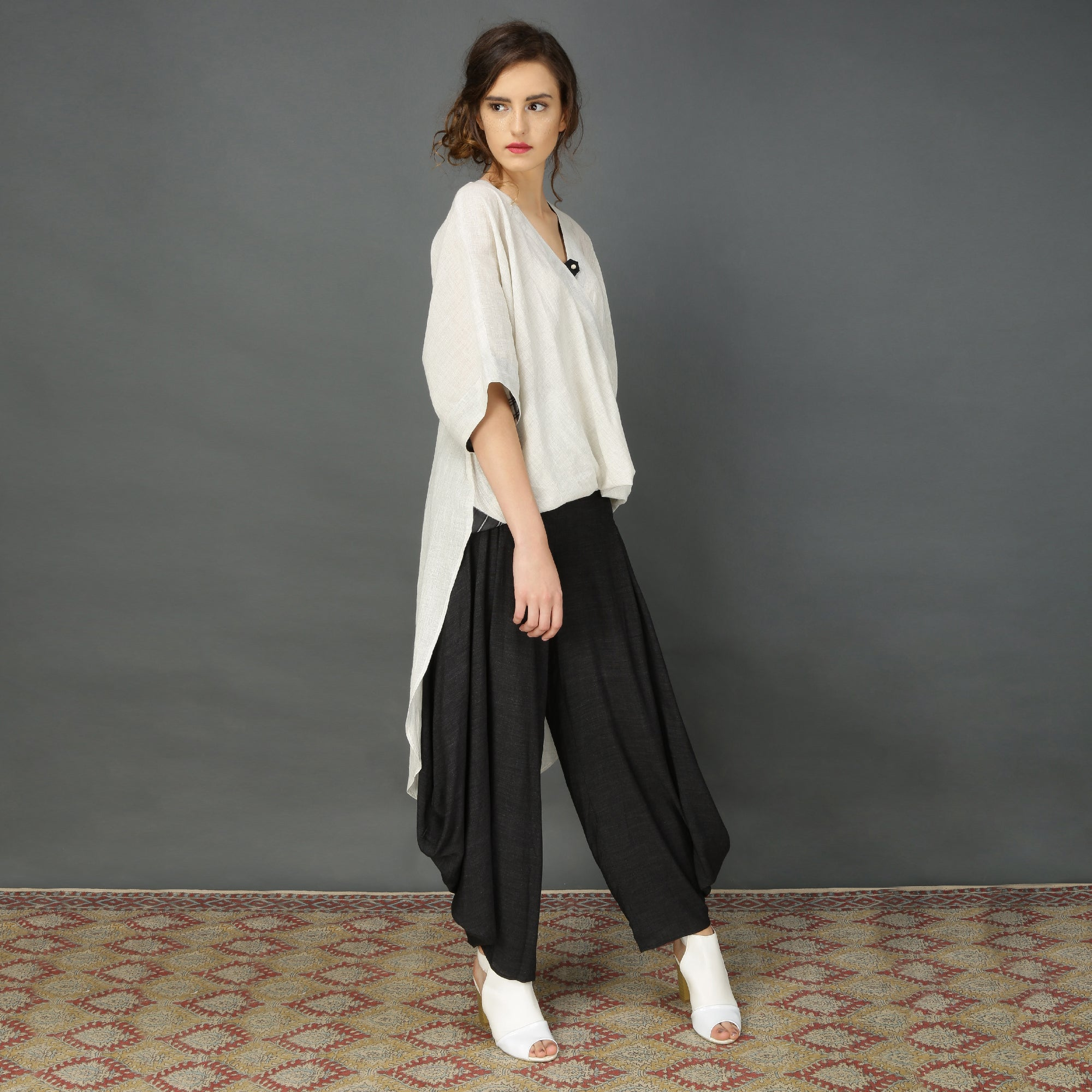 Taki high-low tunic with Goro pants
