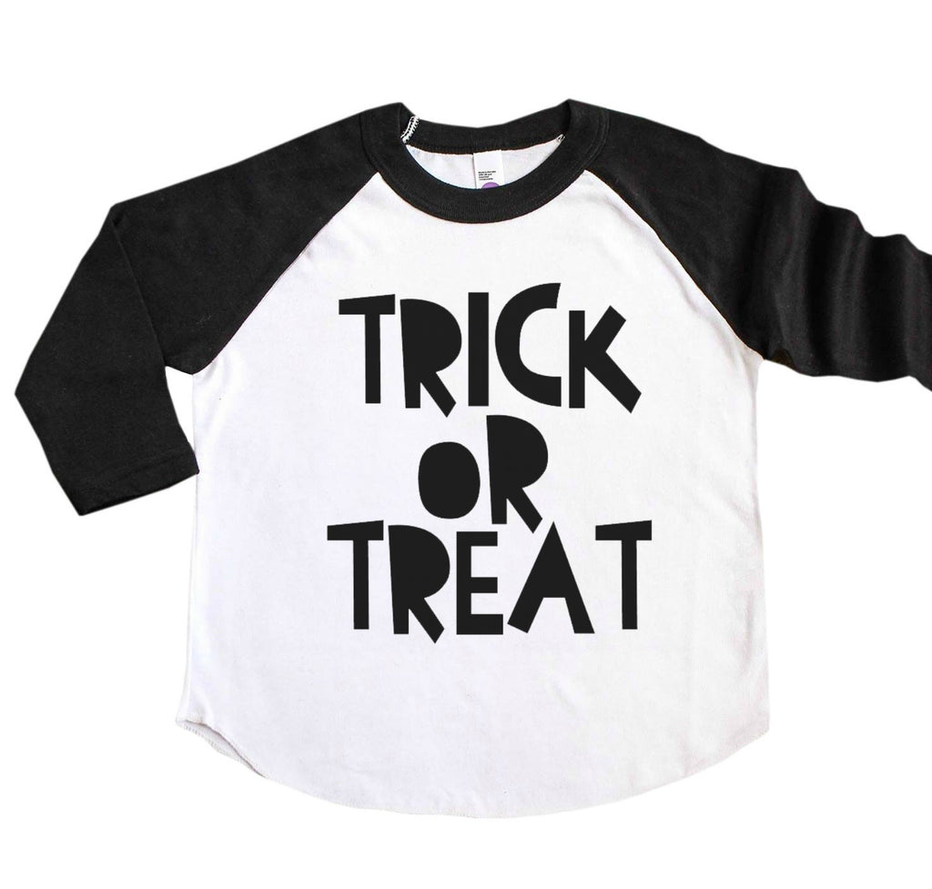 Children's black sleeve raglan with Trick or Treat in black