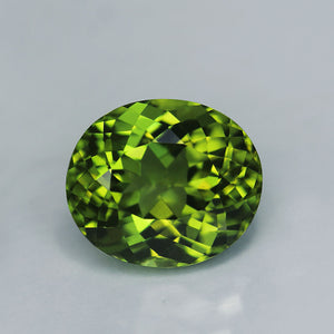 Peridot, 5 ct. Perfect, Parrot Green, Pakistan, VVS+