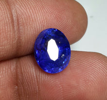 What is the color of true Ceylon sapphire.