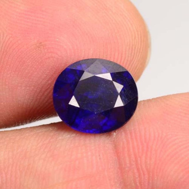 5.41 Oval cut Fissure Filled Gorgeous Blue Sapphire. TREATED Natural Sapphire