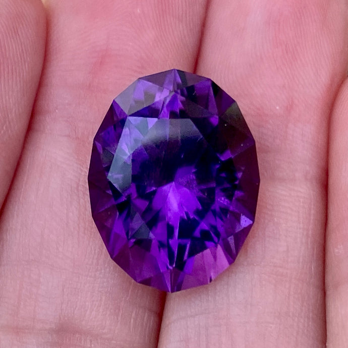 16.46 ct, Amethyst, Uruguay, Top Quality, Red Flash, Oval, Flawless