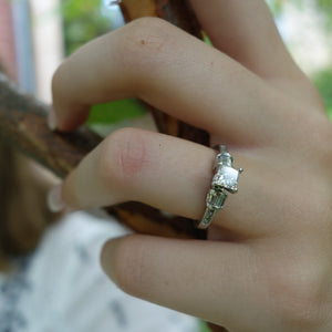 Diamond and Platinum Art Deco Vintage Engagement Ring