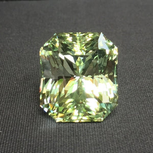 Topaz, 80.90 ct. Russian Imperial Green, Flawless. Certified, Untreated! dichroic