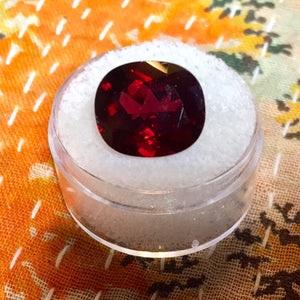 9.25 ct. Rhodolite Garnet, Deep Blood Red, Cushion Cut, VS, Africa