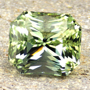 most expensive topaz Tussoan Imperial Green, Tzar's Royal Mines, 80 flawless, untreated carats