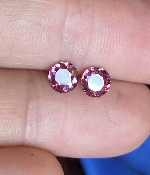 1.28 tcw. Malaya Garnet, matched Pair, Round Brilliant, Imperial Pink