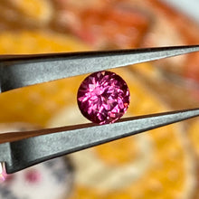 1.30 ct. Malaya Round Brilliant Garnet Purplish-Pink VVS