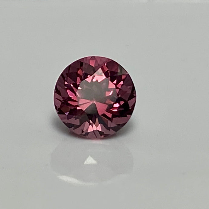 1.11 ct. cranberry Pink Garnet, Round Brilliant, VS, Tanzania, No Treatment