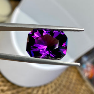 9.21 ct. Amethyst, Siberian, Flawless, Modified Emerald Cut, Deep Purple, TOP GEM-