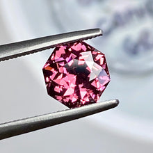 2.22 Color Shift Garnet, Malaya Family, East Africa