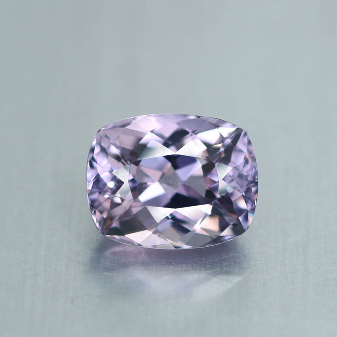 Namibian Apatite, 4.50 ct. Light Lavender, Cushion Cut, VVS