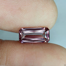 Malaya Garnet, 1.97 ct. Imperial Pink, Emerald Cut, Near Flawless, Malaia