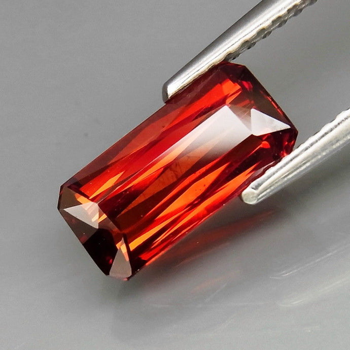 2.73 ct. Spessartite Garnet, Reddish Orange, Scissor Cut, East Africa
