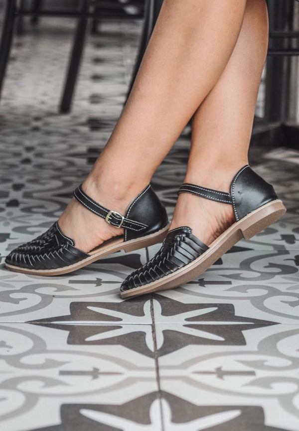 Mexican leather huaraches La bailarina Black, Ankle-Strap Flat