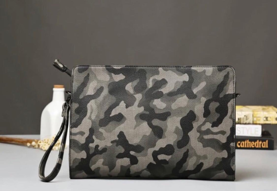 Camo crossbody handbag