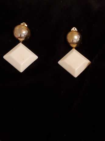 Tri Vintage Gold Earrings - Vedazzling Accessories