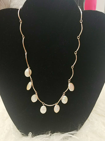 Mini Freshwater pearl necklace - Vedazzling Accessories