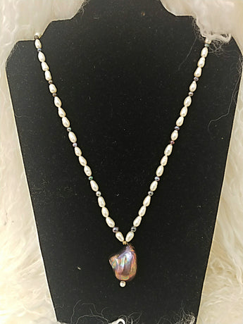 Fresh water pearl necklace with tourmaline stones - Vedazzling Accessories