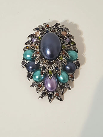 Vintage cluster brooch - Vedazzling Accessories
