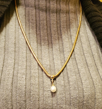 Gold One Note Pearl Necklace