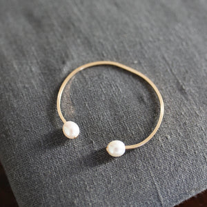 Carden Avenue: The Dueling Pearl Cuff