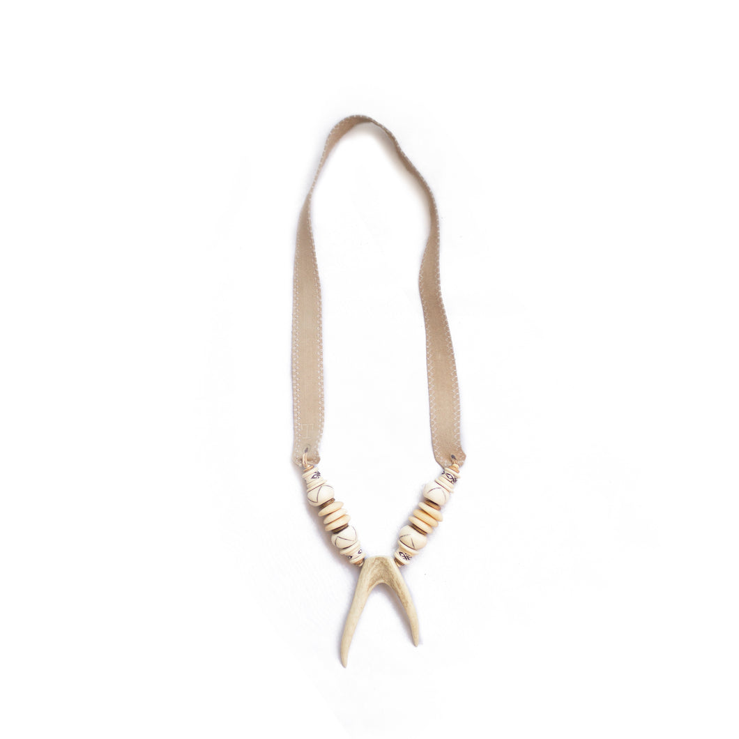 Antler Double Tip Necklace