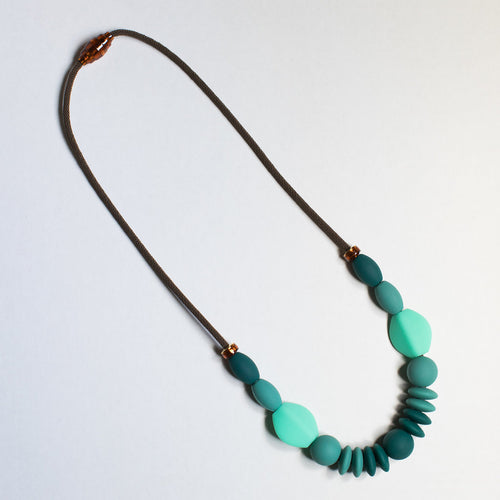 January Moon: Teething Necklace (Spruce)
