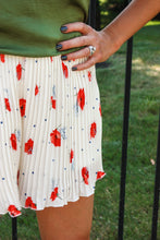 Load image into Gallery viewer, Poppy Pleated Shorts