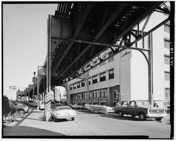 Washington Street Elevated, at Mullins Way #2, 1982