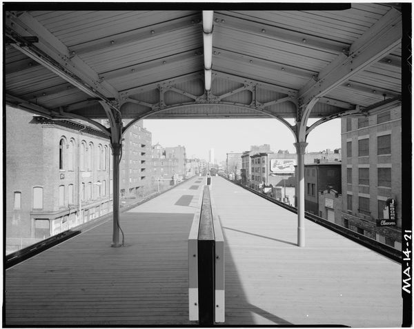Northampton Station, Platform Looking North, 1982