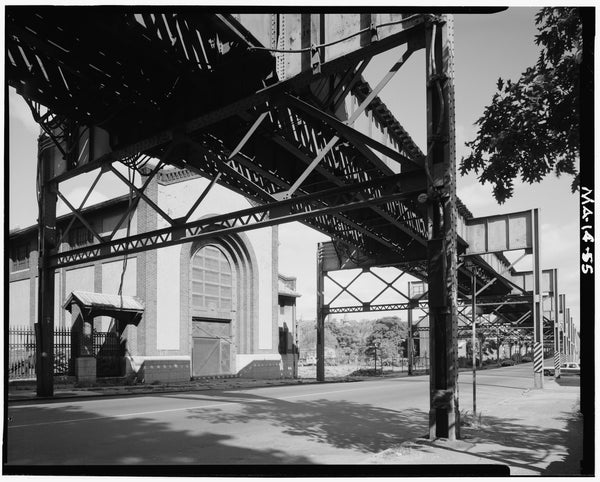 Washington Street Elevated, at Egleston Square Power Substation, 1982