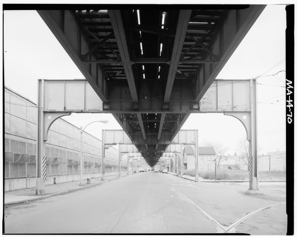 Washington Street Elevated, at Brookley Road, 1982
