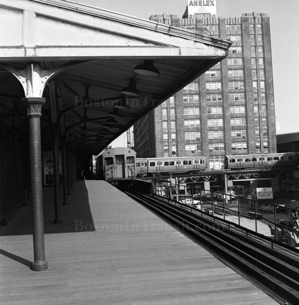 North Station on the El Northbound Platform