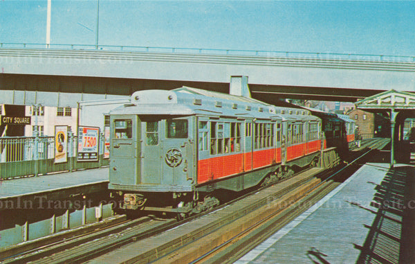 Elevated Type 10 Cars at City Square Station