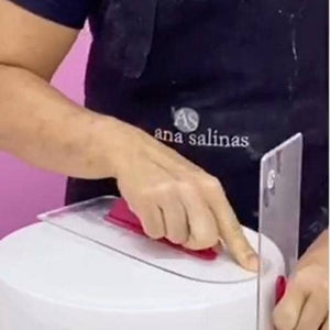 Fondant Smoothing Straight By Chef Ana Salinas