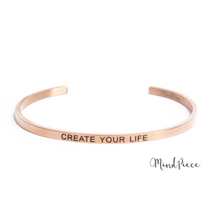 Rosé gouden bangle quote armband met de tekst Create your life