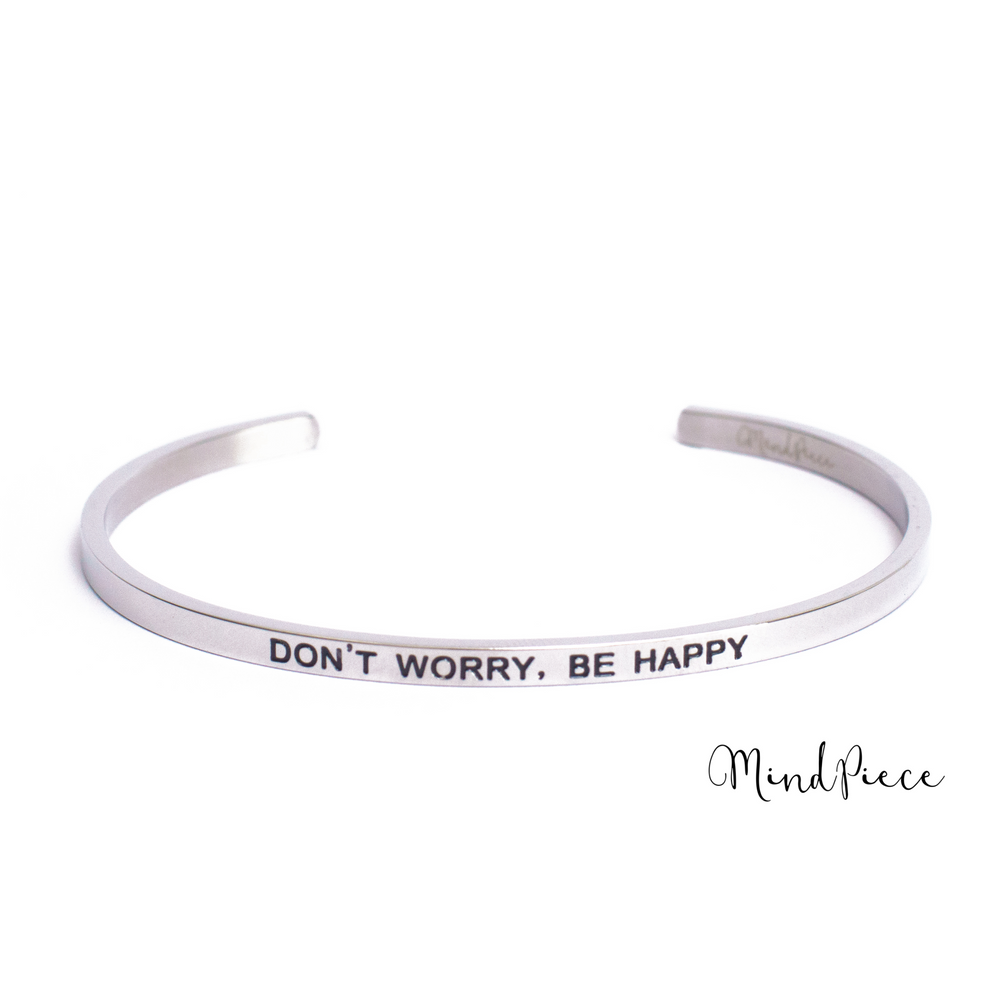 Zilveren bangle quote armband met de tekst Don't Worry, Be Happy