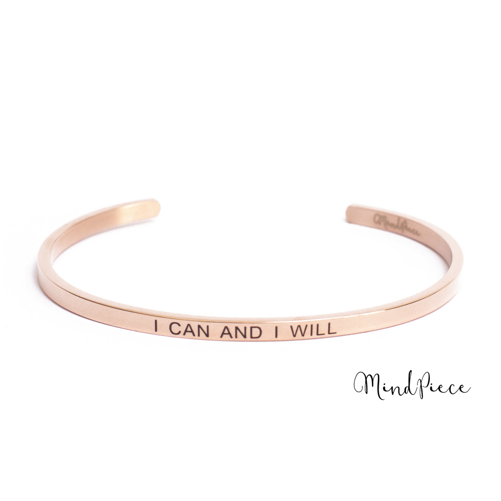 Laad afbeelding in Gallery viewer, Rosé gouden bangle quote armband met de tekst I can and I will