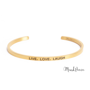 Gouden bangle quote armband met de tekst Live, Love, Laugh