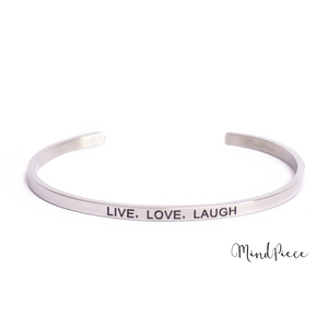 Zilveren bangle quote armband met de tekst Live, Love, Laugh