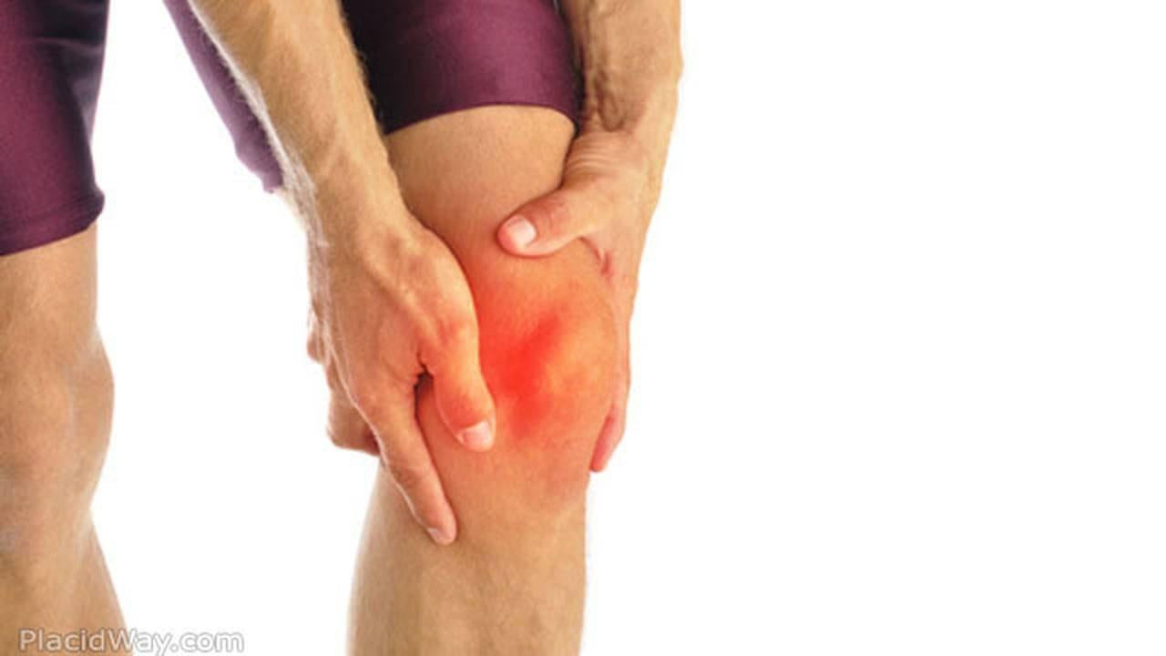 What Causes my Knee to Lock?-Essential Wellness
